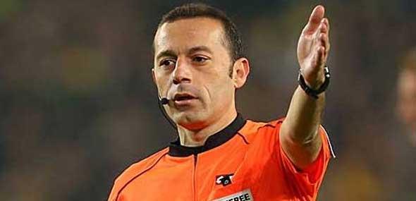 FIFA Schiedsrichter Cakir