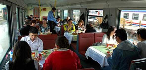 Dogu Ekspresi Essen im Zug