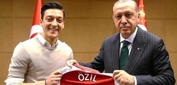 Erdogan Deutschlandbesuch verteidigt Mesut Özil
