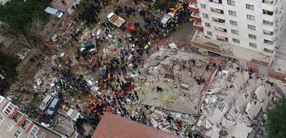 Wohnhauseinsturz Istanbul Türkei