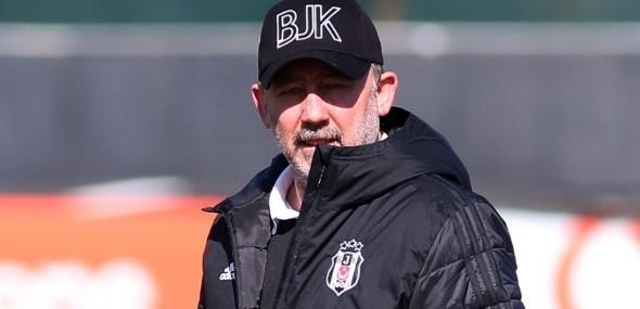 Besiktas kürzt Spielergehälter und Oguzhan Özyakup