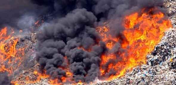 Brand auf Mülldeponie
