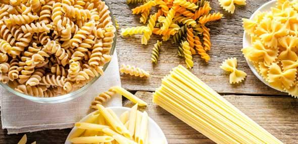Türkische Spagetti und Nudeln