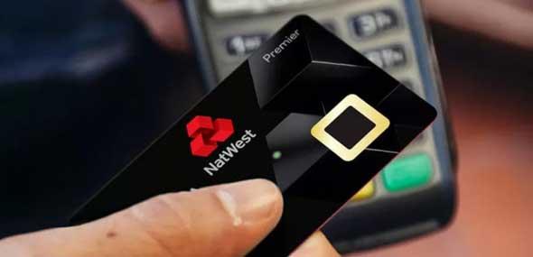 Kreditkarte mit Fingerabdrucksensor