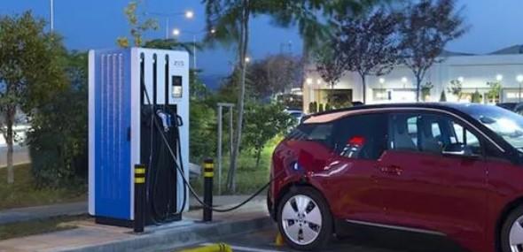 Türkei Zahl der Hybridautos und Elektroautos