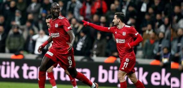 Auswärtssieg Sivasspor