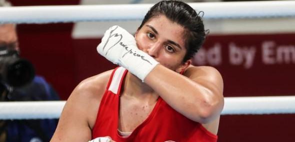 Türkische Boxerin Sürmeneli